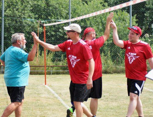 Faustballer des TV Spaichingen veranstalten Sommerturnier